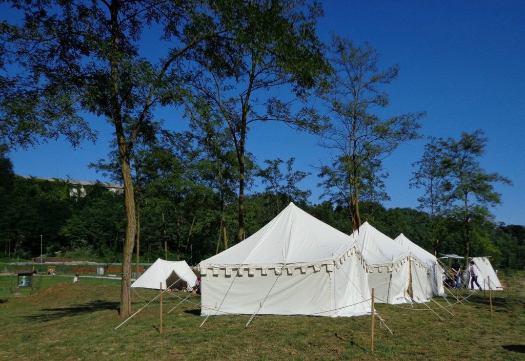Wyjedź pod namiot po to, by się zrelaksować